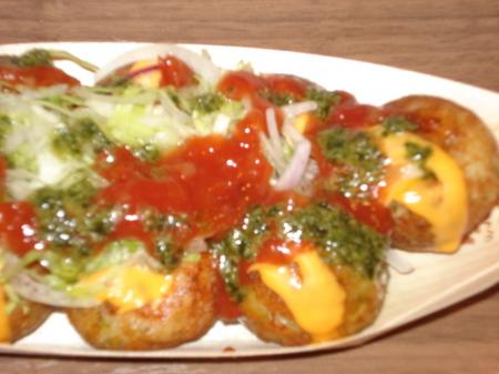 gindako-cheese-tomato-basil3.jpg